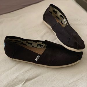 NEW NEVER WORN Toms Shoes (Women's)